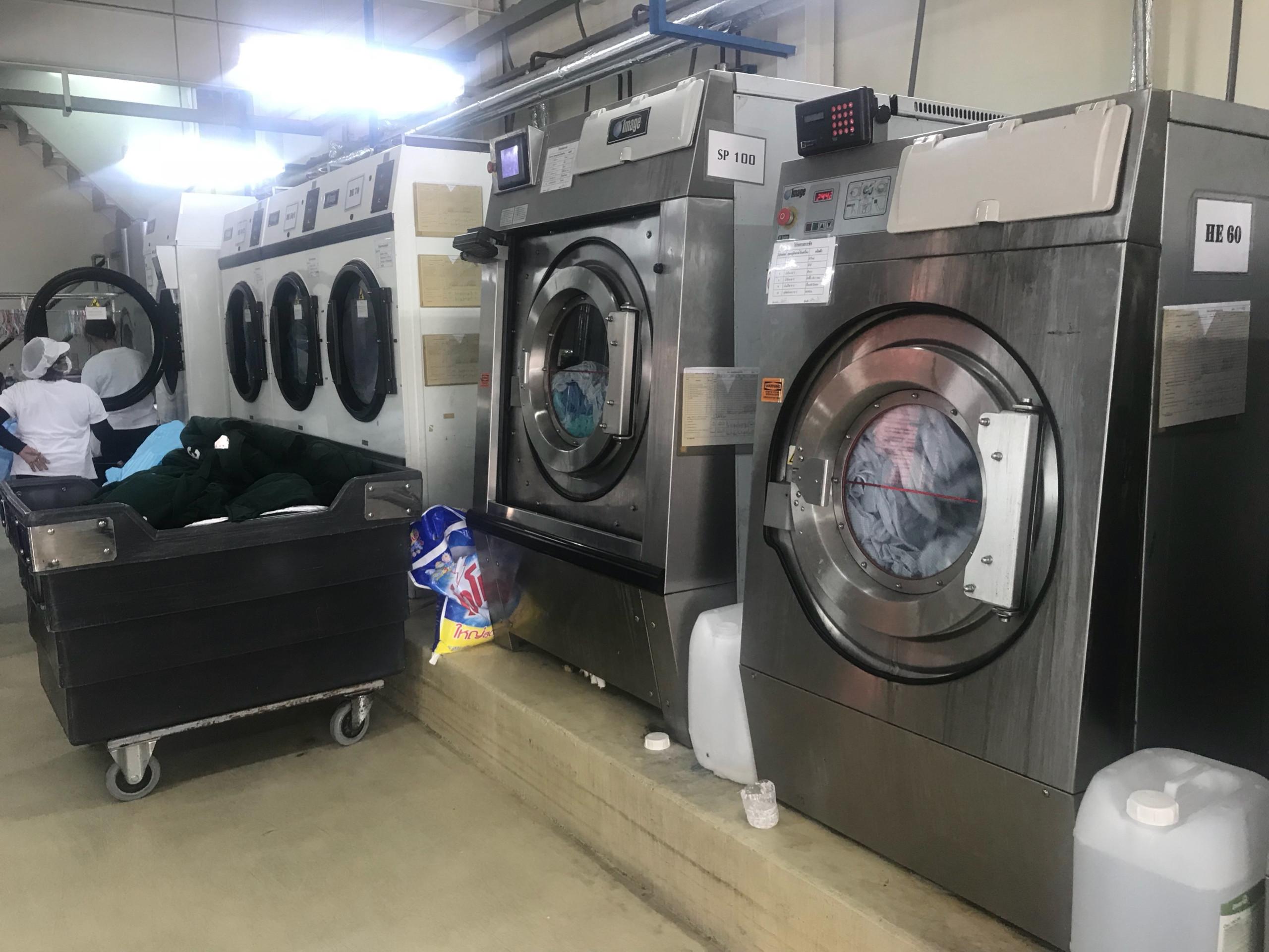 giặt đồng phục số lượng lớn